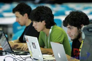 wpid-CAMPUS-PARTY8-EDU_2.jpg